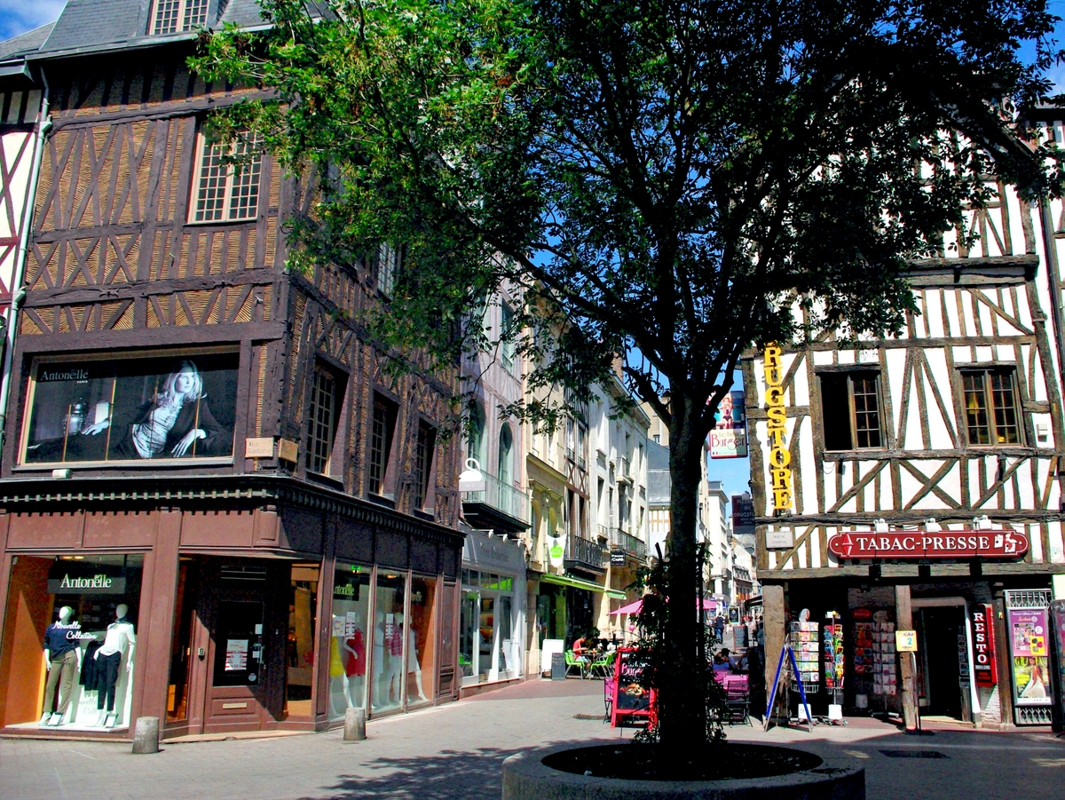 Rue Ganterie, Rouen © French Moments