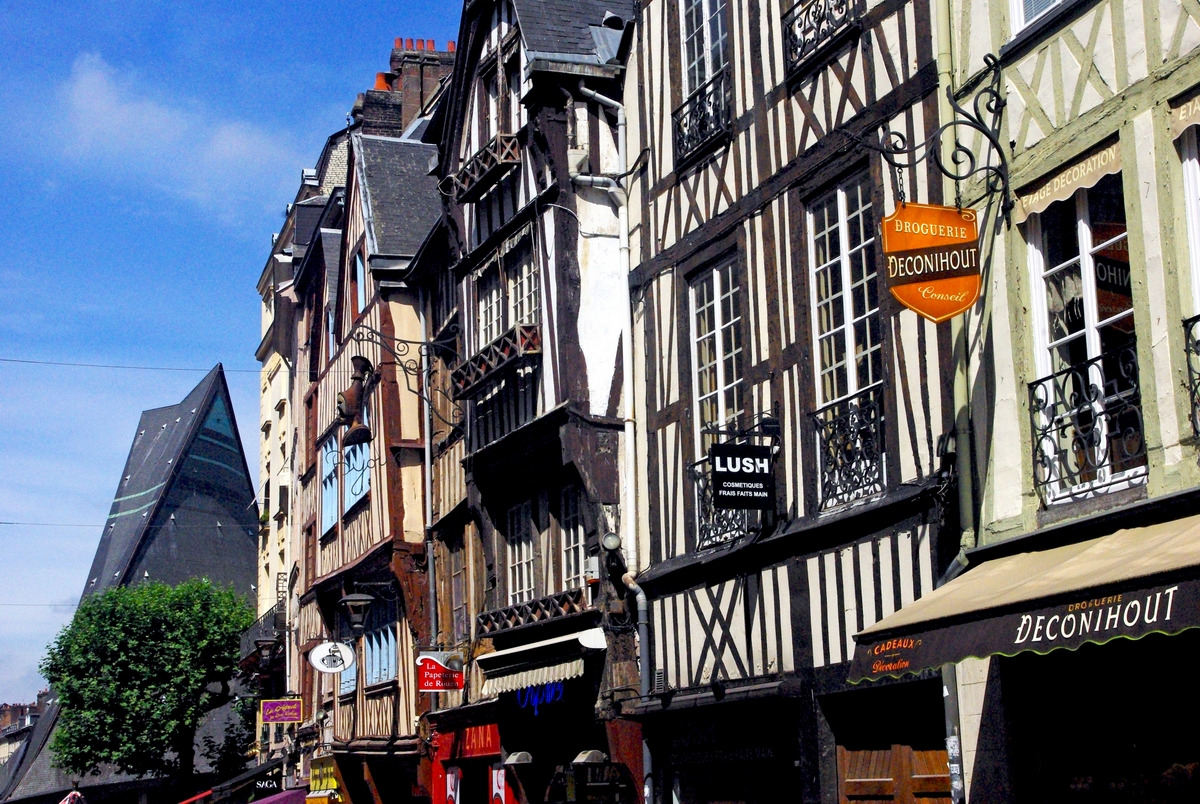 Rue du Gros-Horloge, Rouen © French Moments