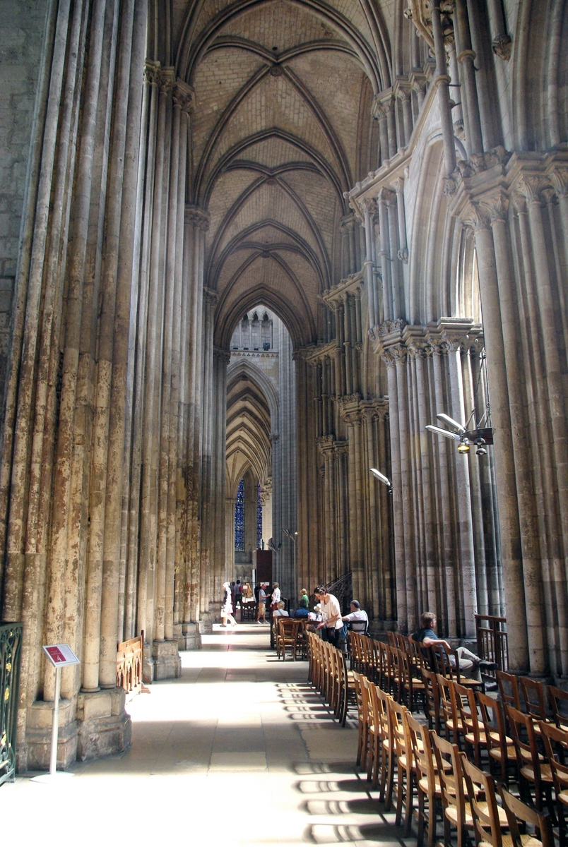 North side aisle © French Moments