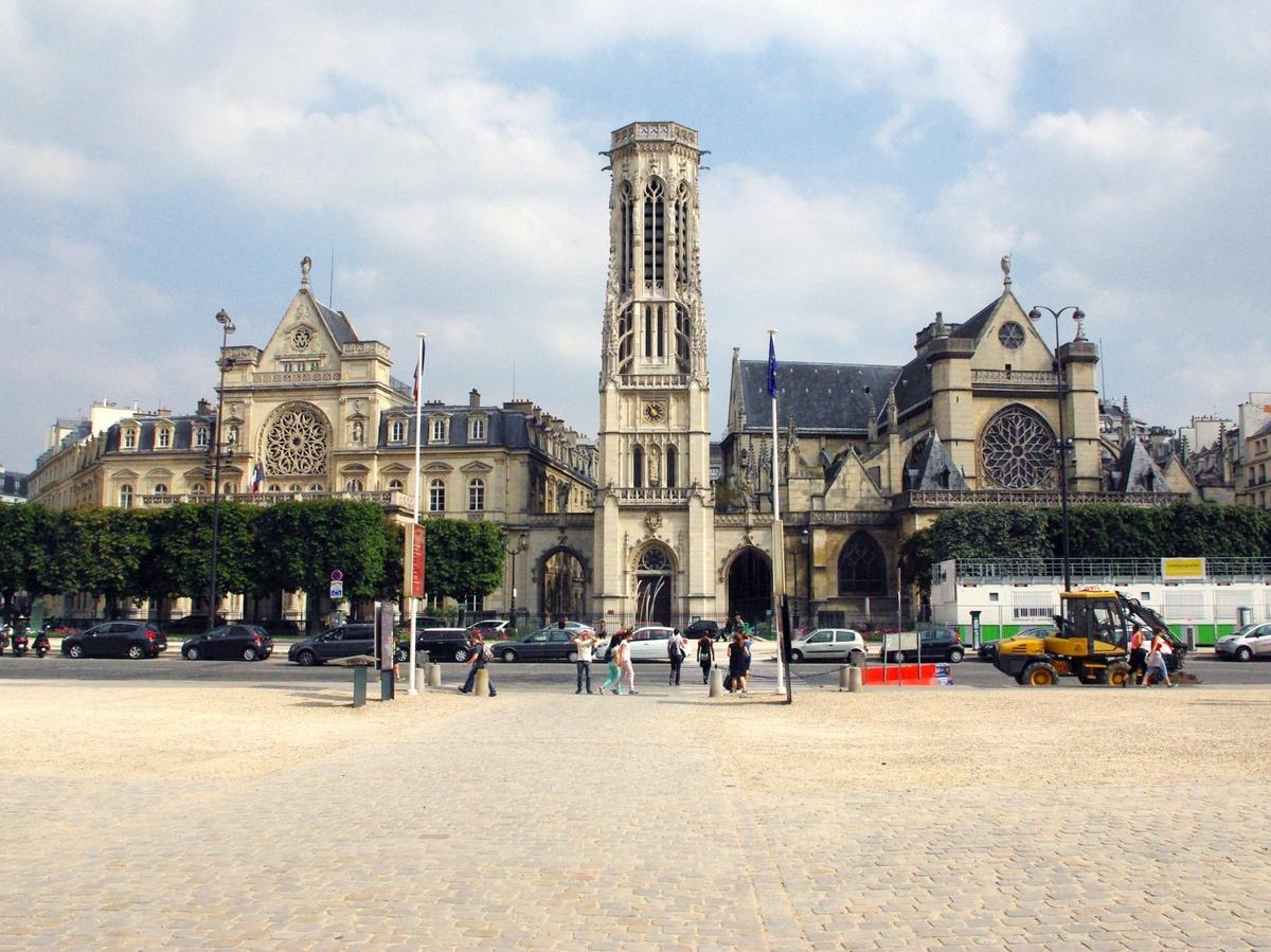 Saint-Germain-Auxerrois Paris © French Moments