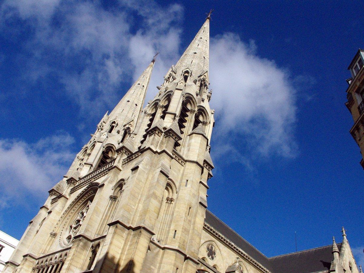 Saint-Jean-Baptiste de Belleville © French Moments