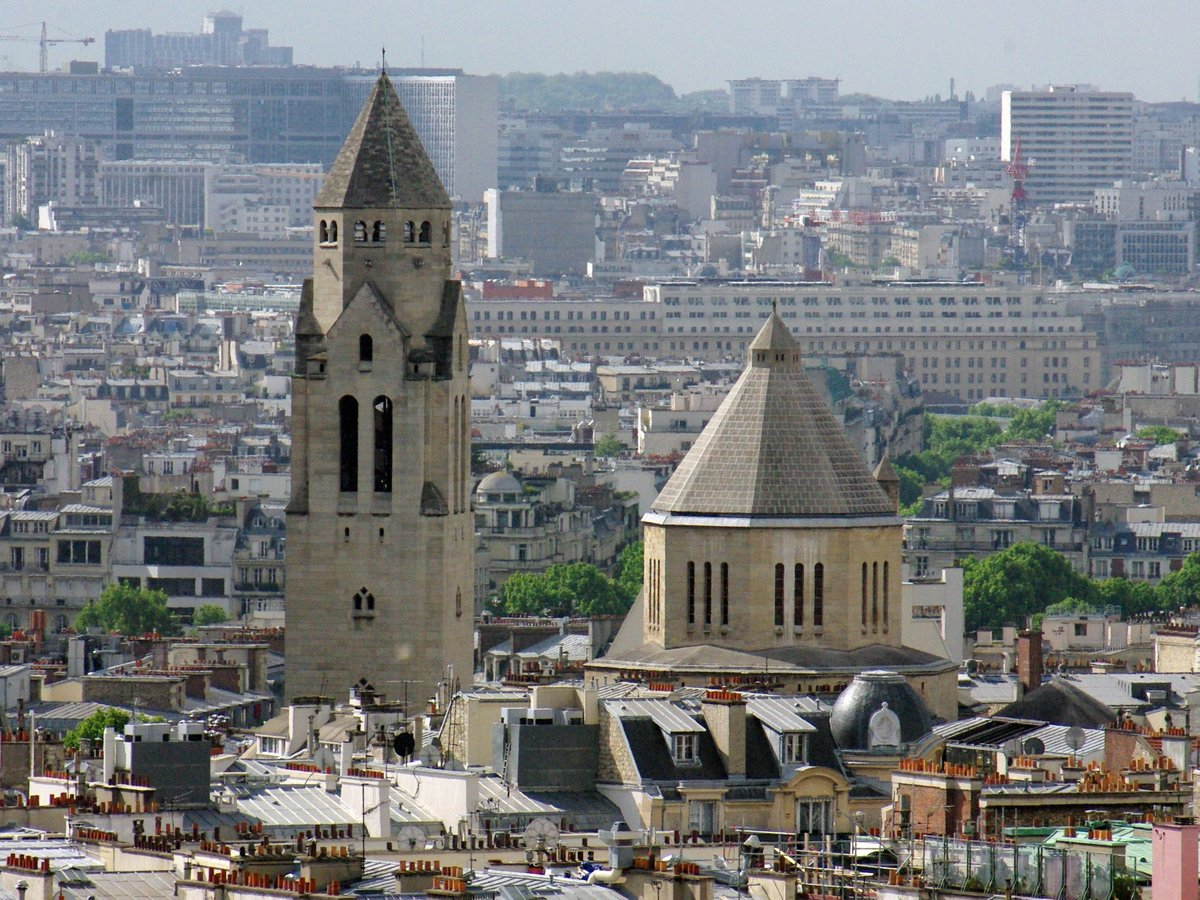 Saint-Pierre de Chaillot © French Moments