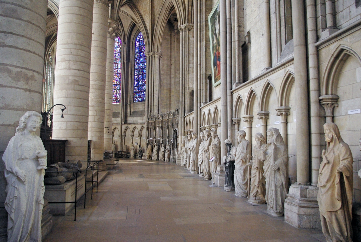 South Ambulatory in Rouen Cathedral © French Moments