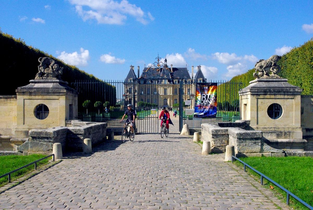 Entrance of Parc de Sceaux © French Moments
