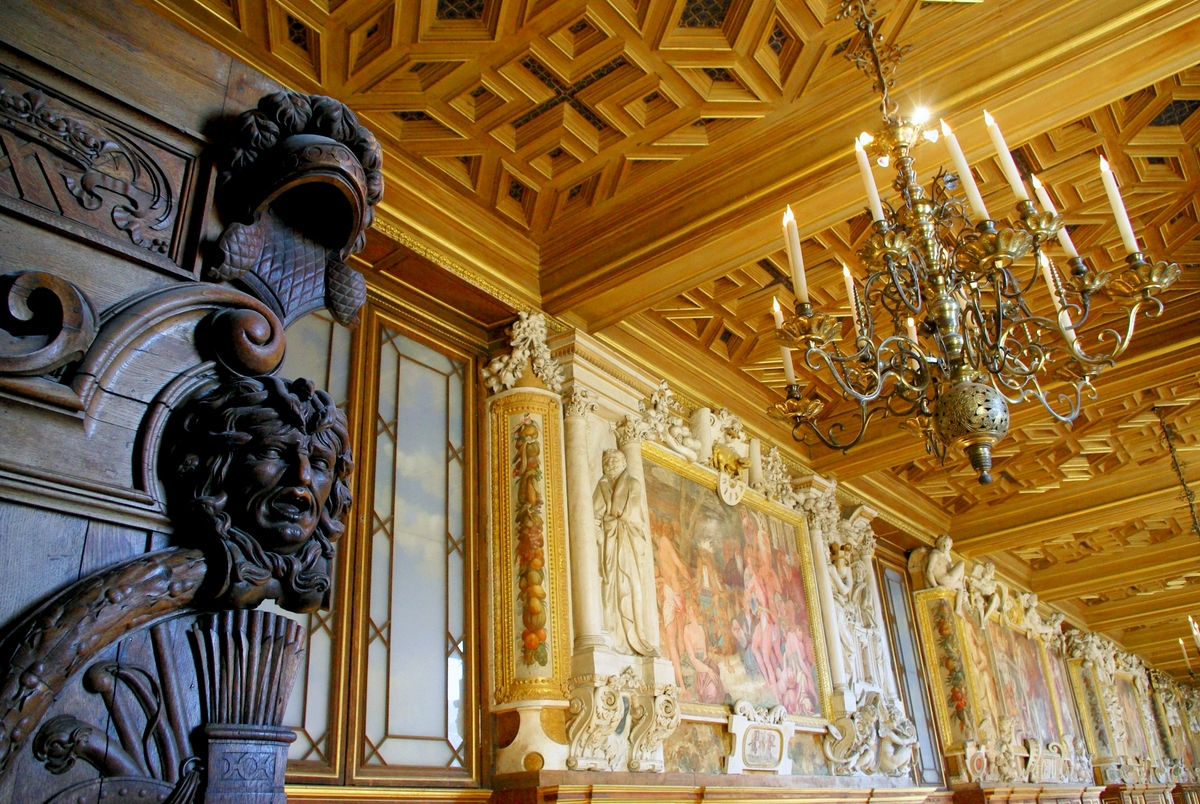 Fontainebleau Castle Interior 03 © French Moments