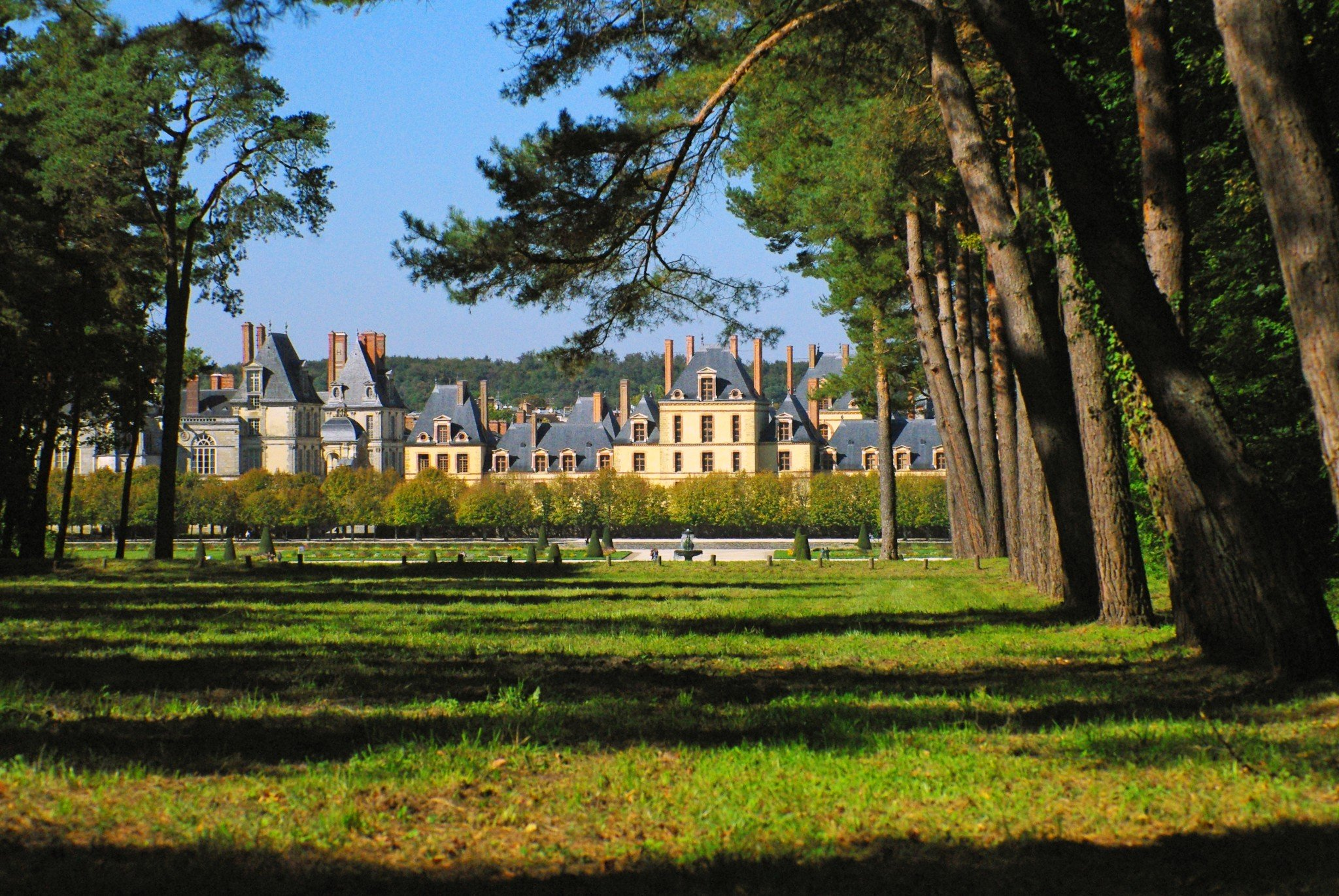 Fontainebleau Castle viewed from the Forest © French Moments
