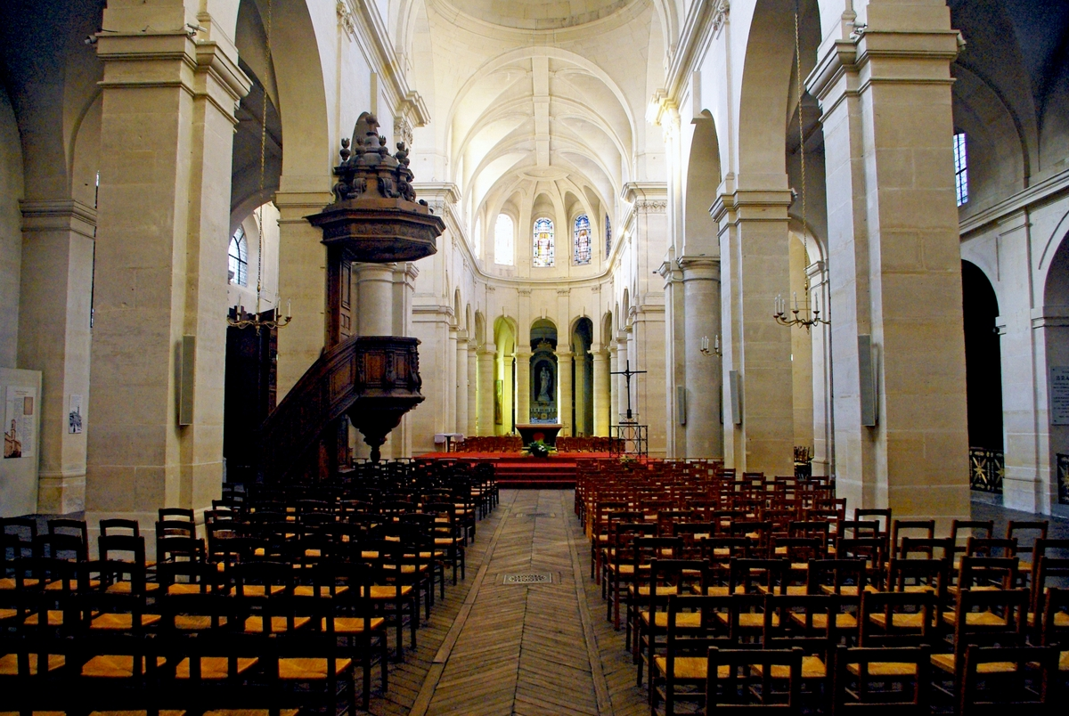 Interior of Saint-Jacques-du-Haut-Pas © French Moments