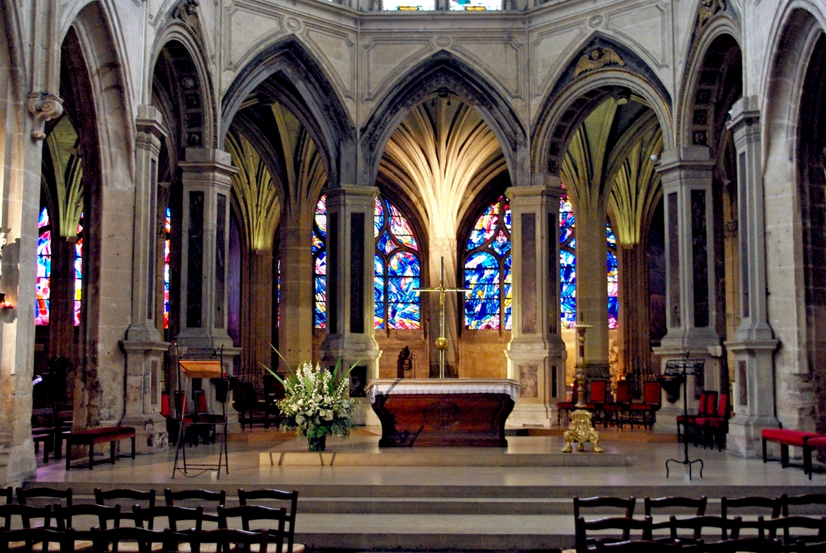 The Interior of Saint-Séverin church, Fifth arrondissement of Paris © French Moments