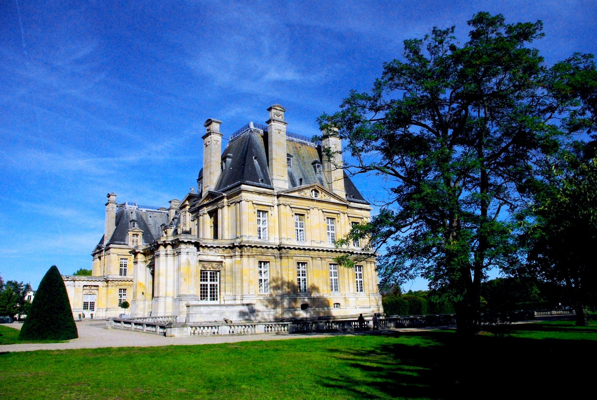 Chateau of Maisons-Laffitte © French Moments