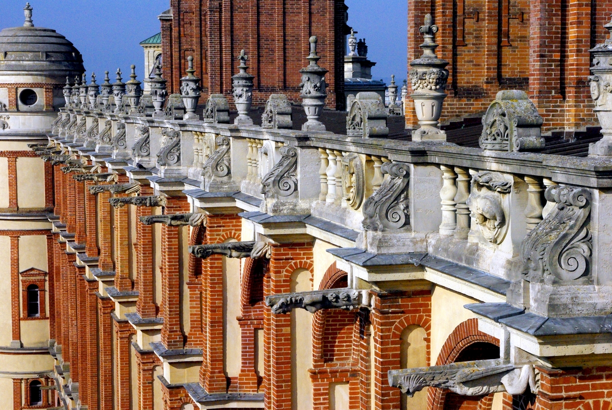 Roof of Saint-Germain-en-Laye Castle © French Moments