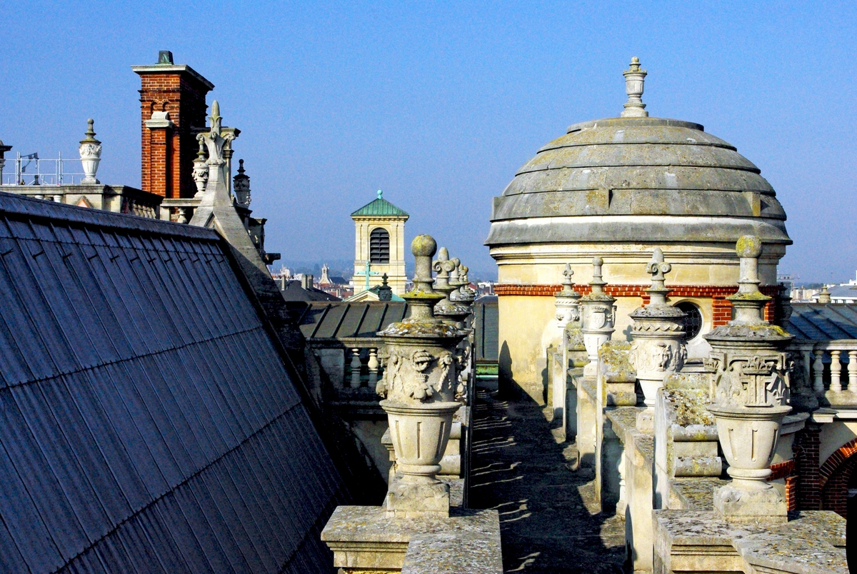 Roof of Saint-Germain-en-Laye Castle 2 © French Moments