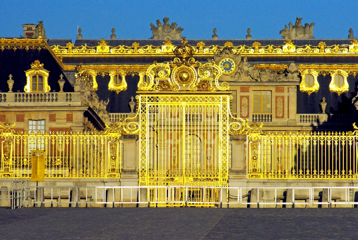 Versailles Gold © French Moments