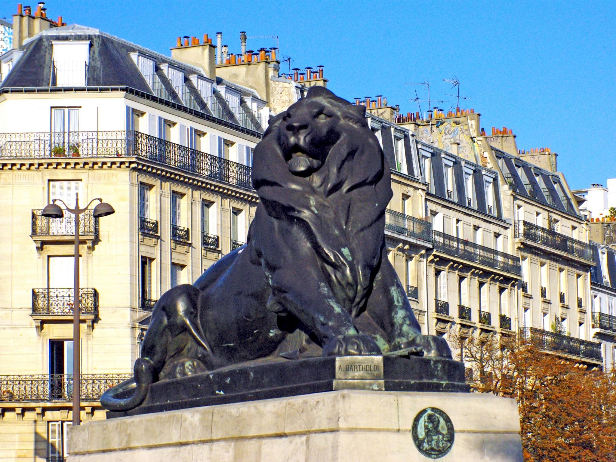 Lion of Belfort in Place Denfert-Rochereau in Paris 03 © French Moments