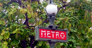Métro Sign © French Moments