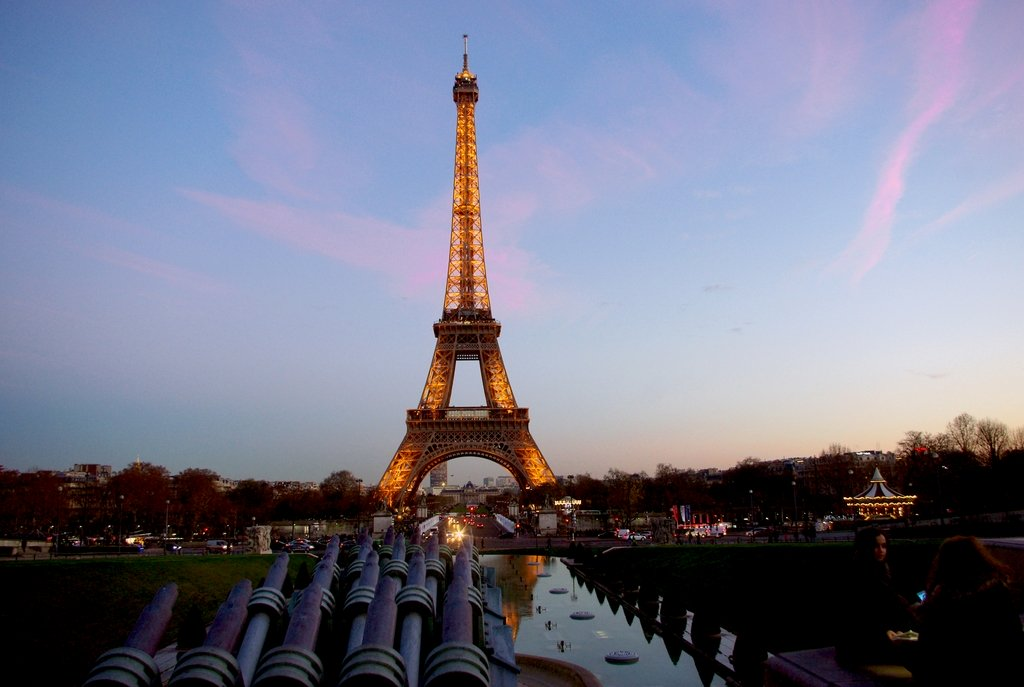 Sunset at the Eiffel Tower © French Moments