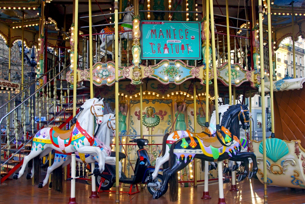 Free Merry-go-Round Christmas © French Moments