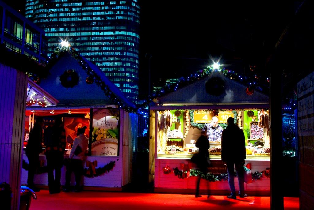 Paris Christmas markets at La Défense © French Moments