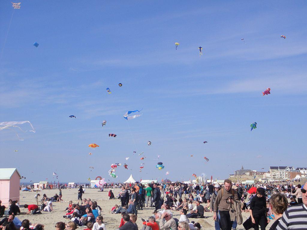 Berck-sur-Mer Rencontres internationales de cerfs-volants © Bateloupreaut - licence [CC BY-SA 3.0] from Wikimedia Commons