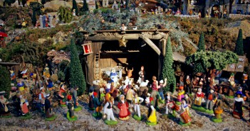 Nativity Scene at Saint-François Xavier church, Paris © French Moments Scene Saint-François Xavier Paris 01 © French Moments