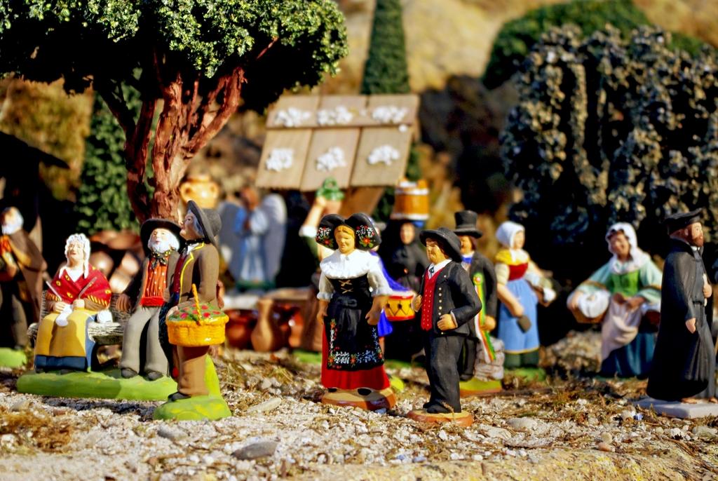 Nativity Scene at Saint-François-Xavier church, Paris © French Moments