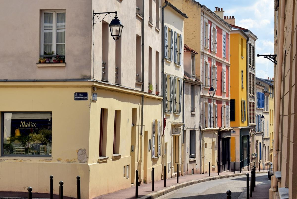 Rue Wauthier in Saint-Germain-en-Laye © French Moments