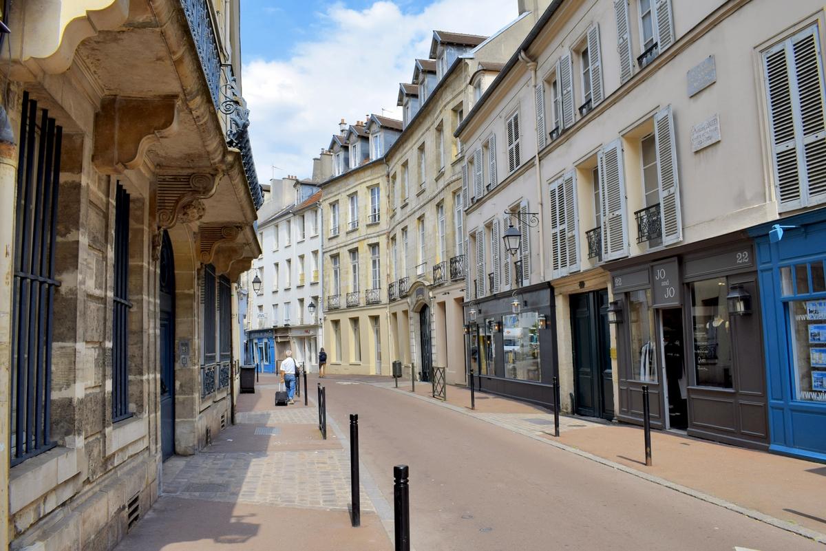 Rue du Vieil Abreuvoir in Saint-Germain-en-Laye © French Moments