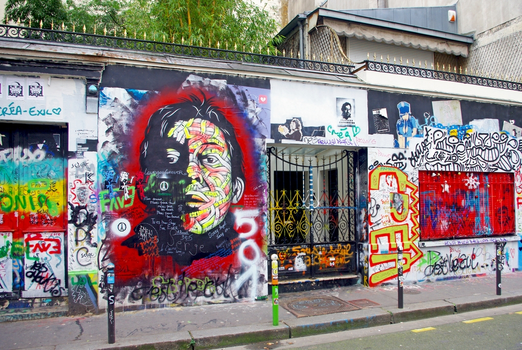 Rue De Verneuil And Serge Gainsbourg S House Paris