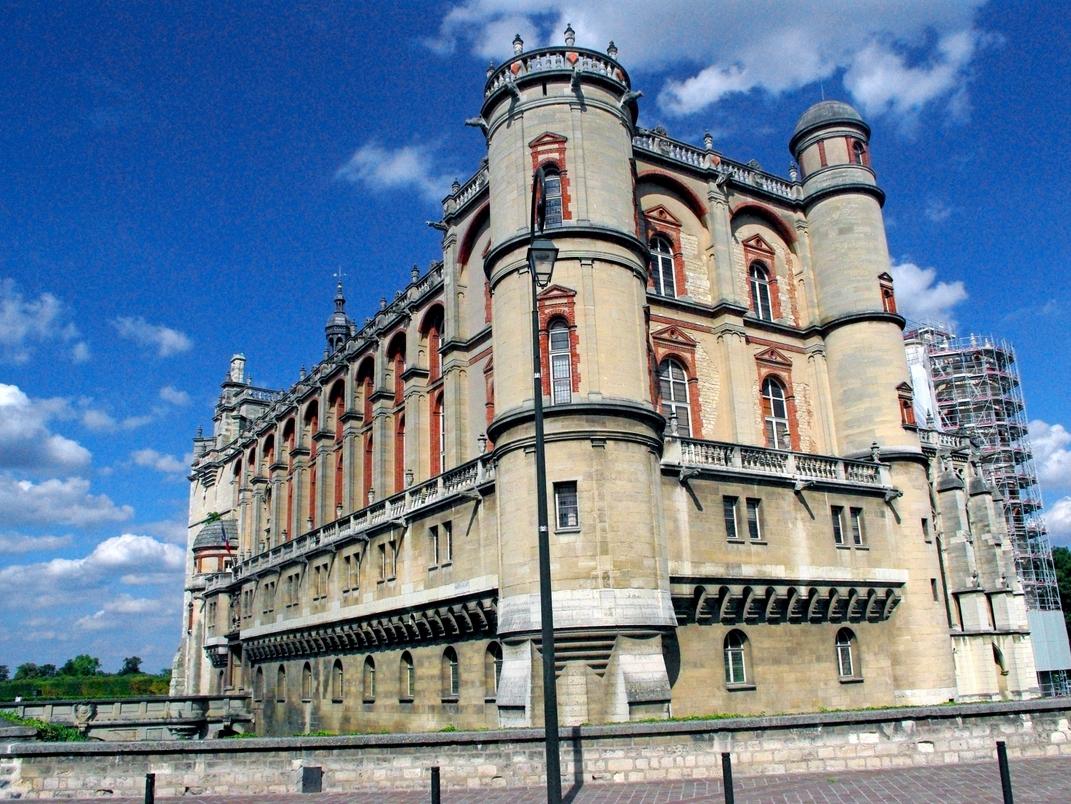 castle of saint germain en laye french moments. Black Bedroom Furniture Sets. Home Design Ideas