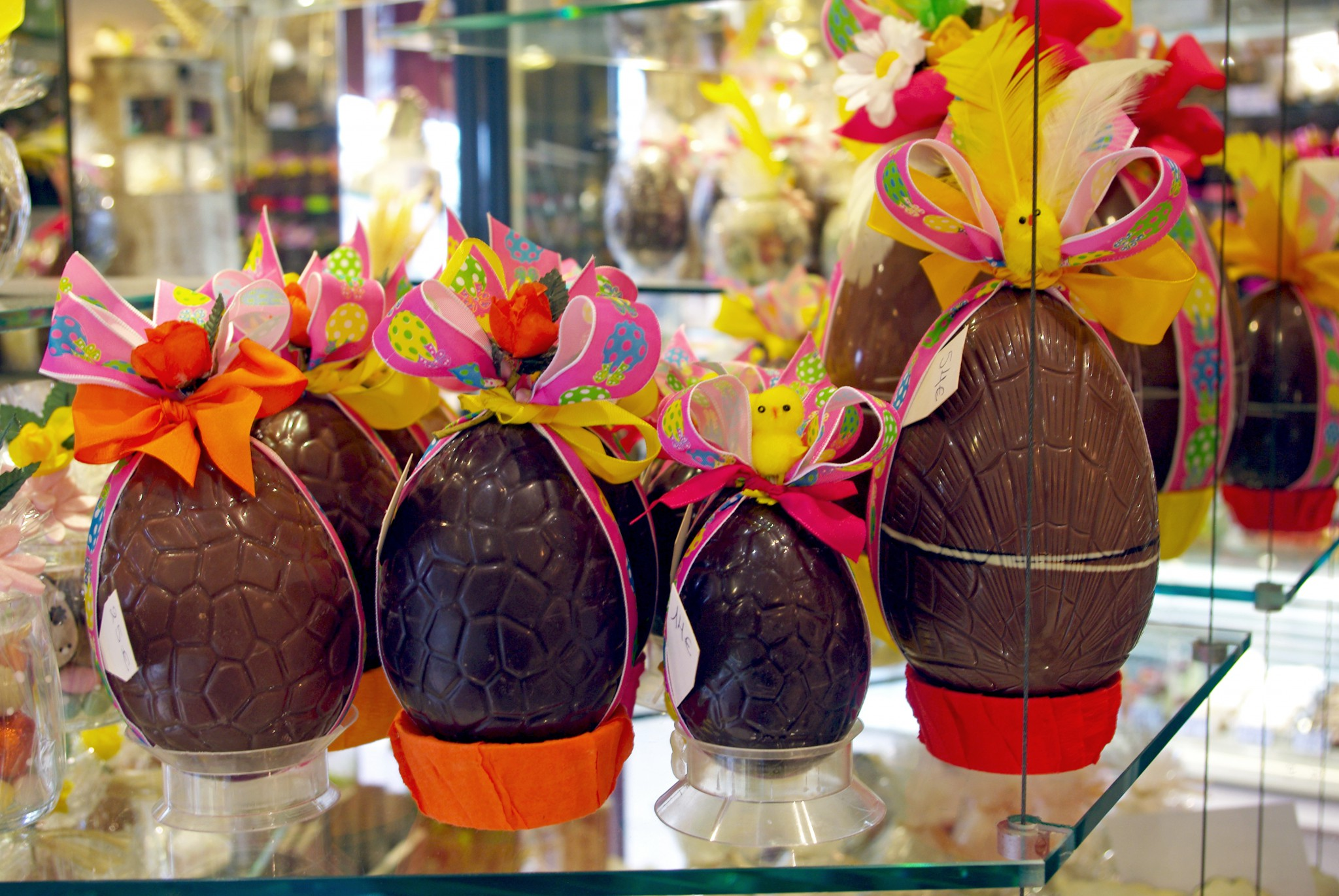 Chocolate eggs in a French confiserie © French Moments
