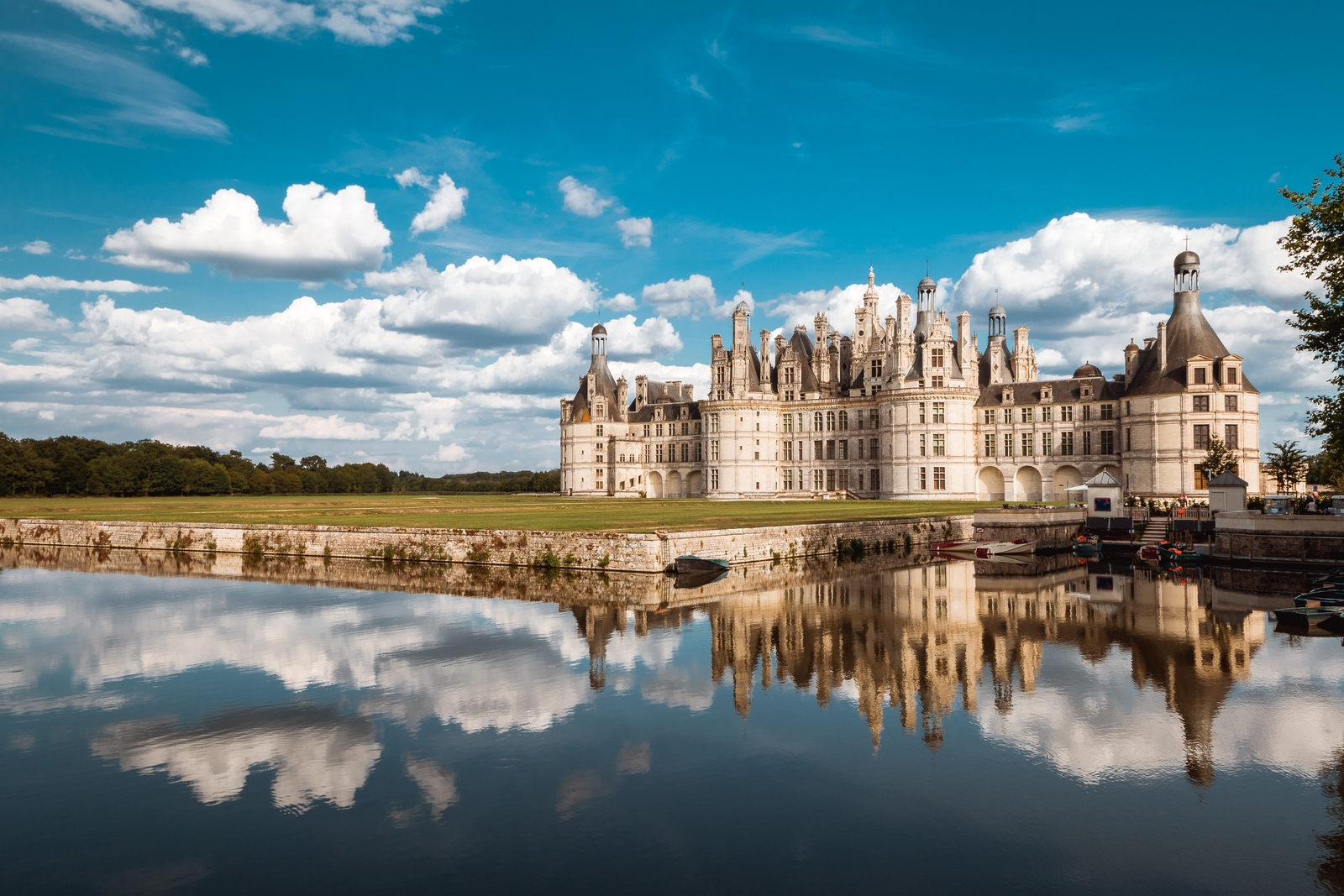 Chambord Castle © Arnaud_Scherer - licence [CC BY-SA 4.0] from Wikimedia Commons