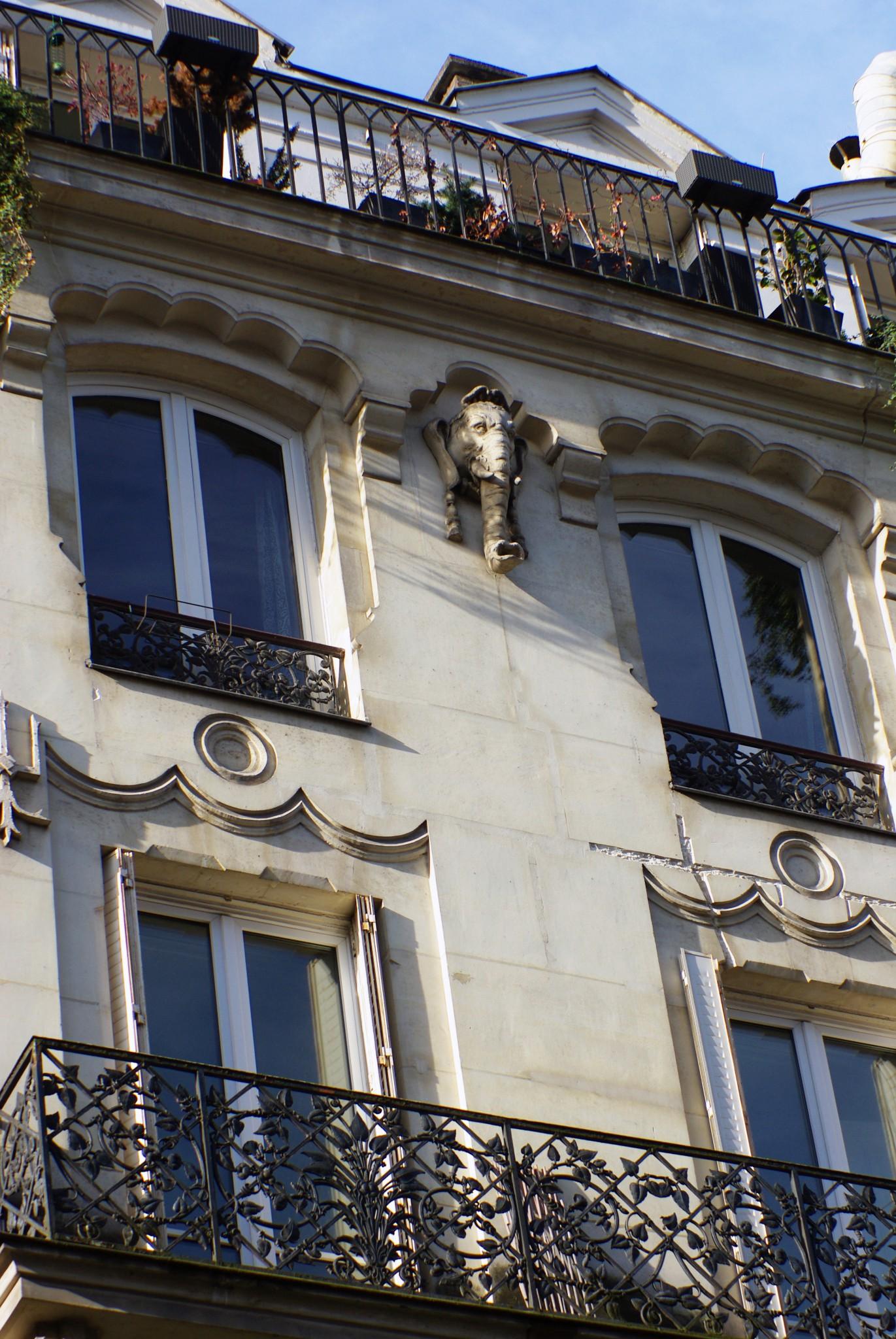 Elephant at number 3 rue de la Cossonnerie, Paris © French Moments