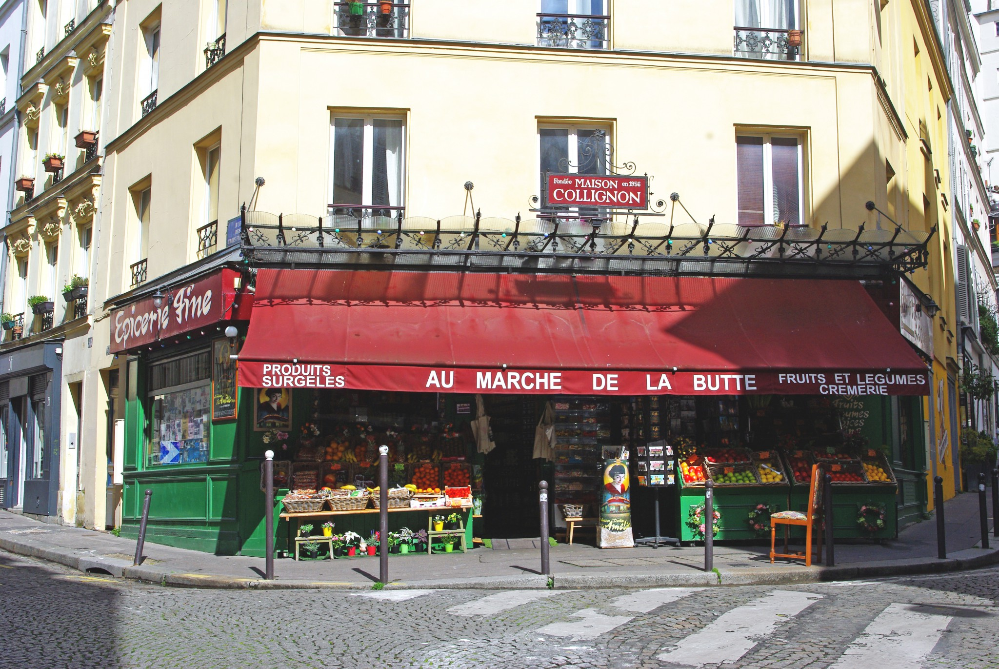 This local grocery store was featured in the movie 'Amélie' © French Moments