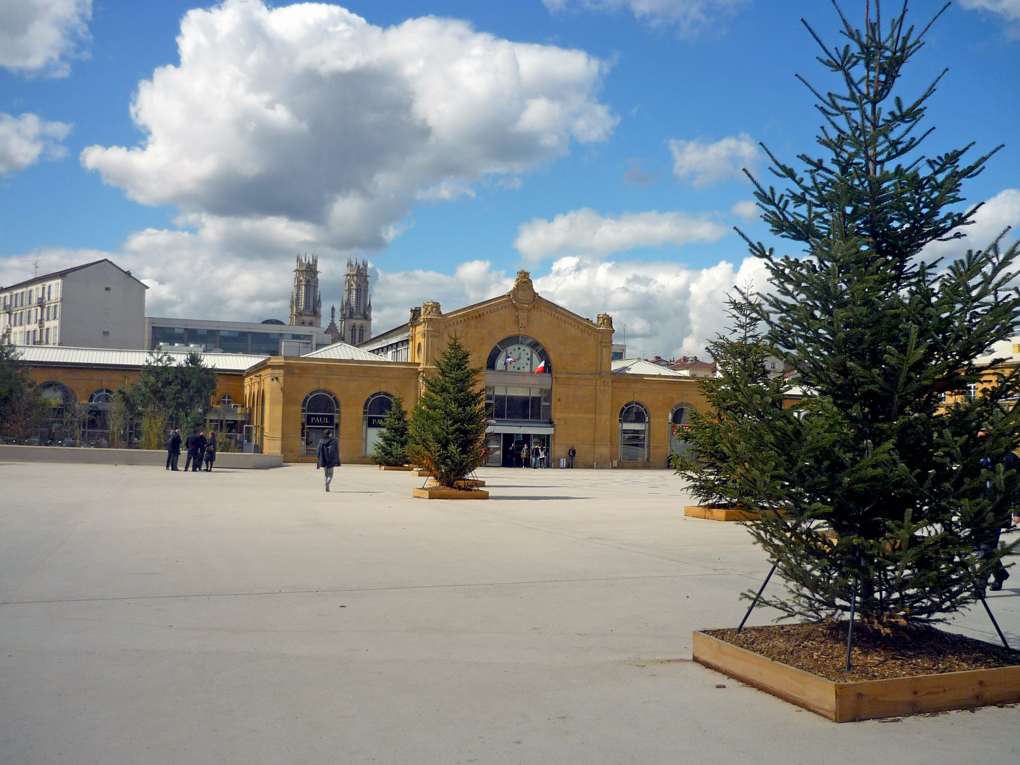 The renovated square of the railway station, Nancy © French Moments