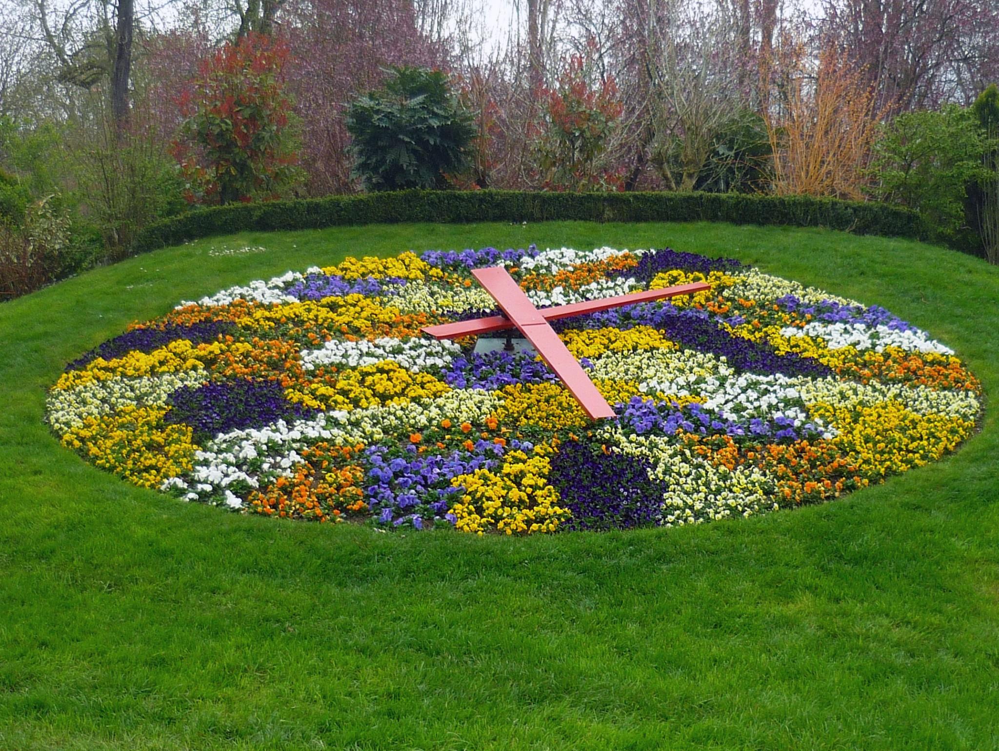 Floral clock, Pépinière Park, Nancy © French Moments