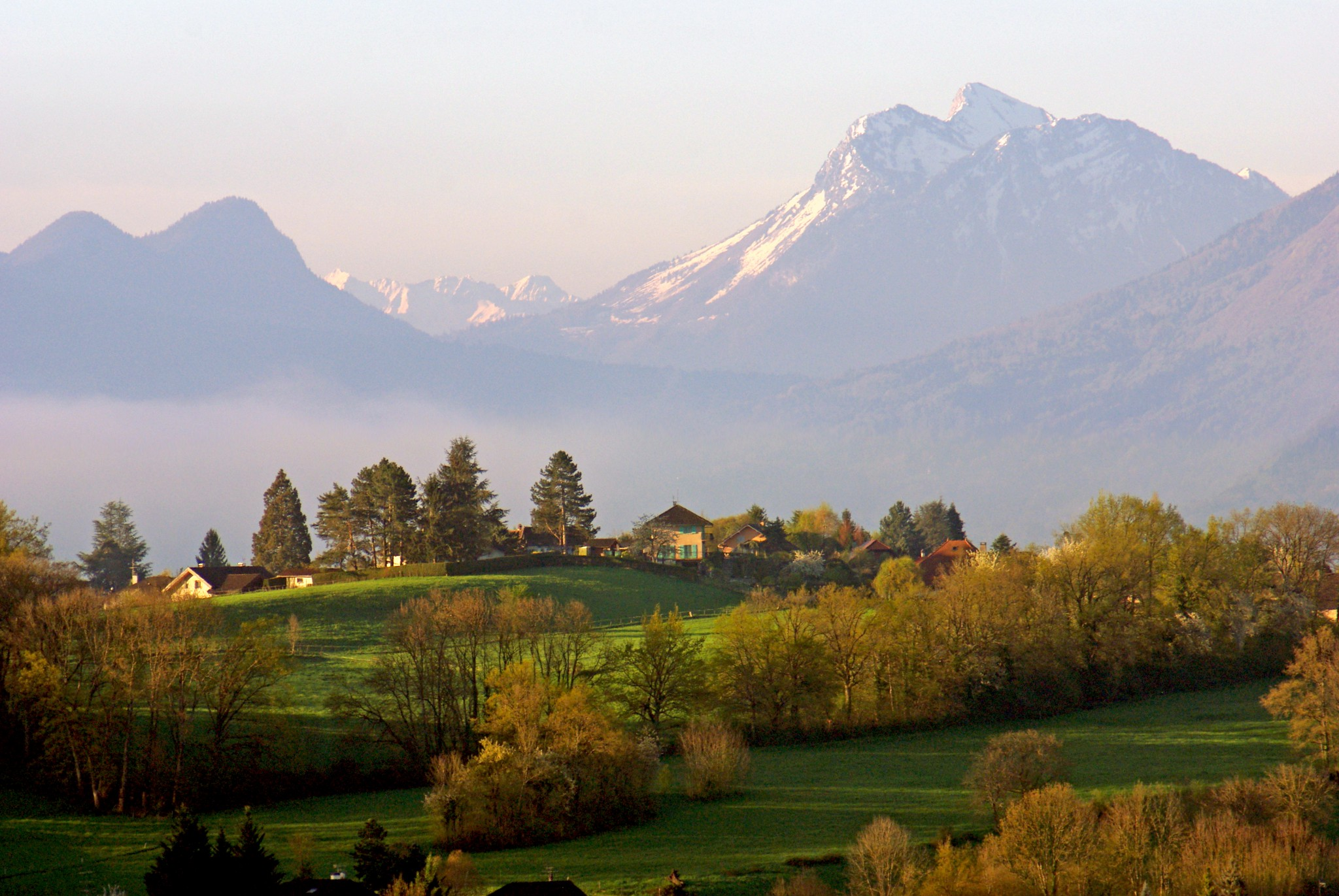 Sunrise Annecy Region © French Moments