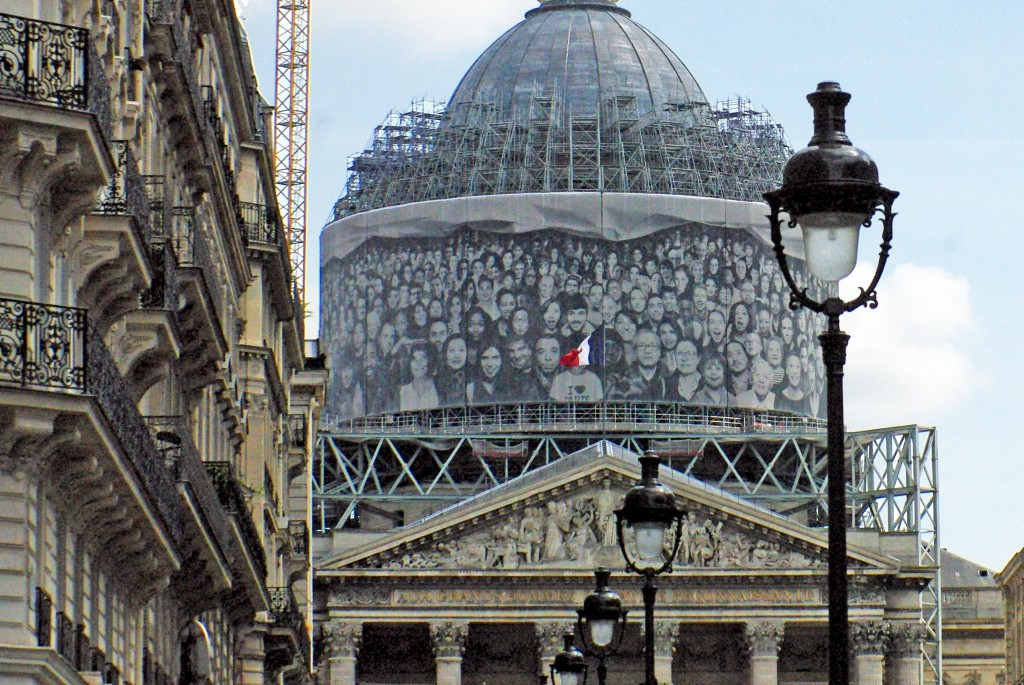 The dome of the Panthéon covered with the work of JR in 2015 © French Moments