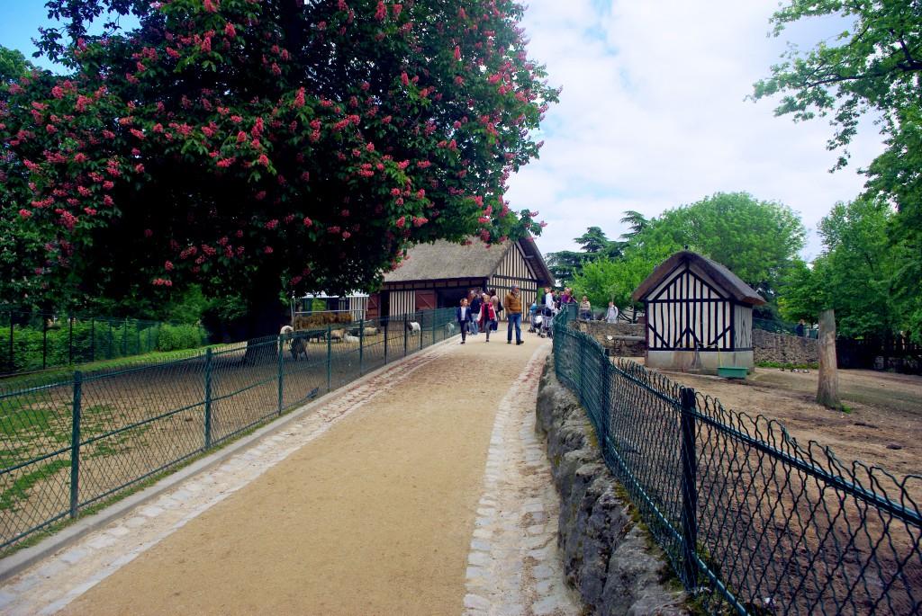 The Norman farm, Jardin d'Acclimatation © French Moments