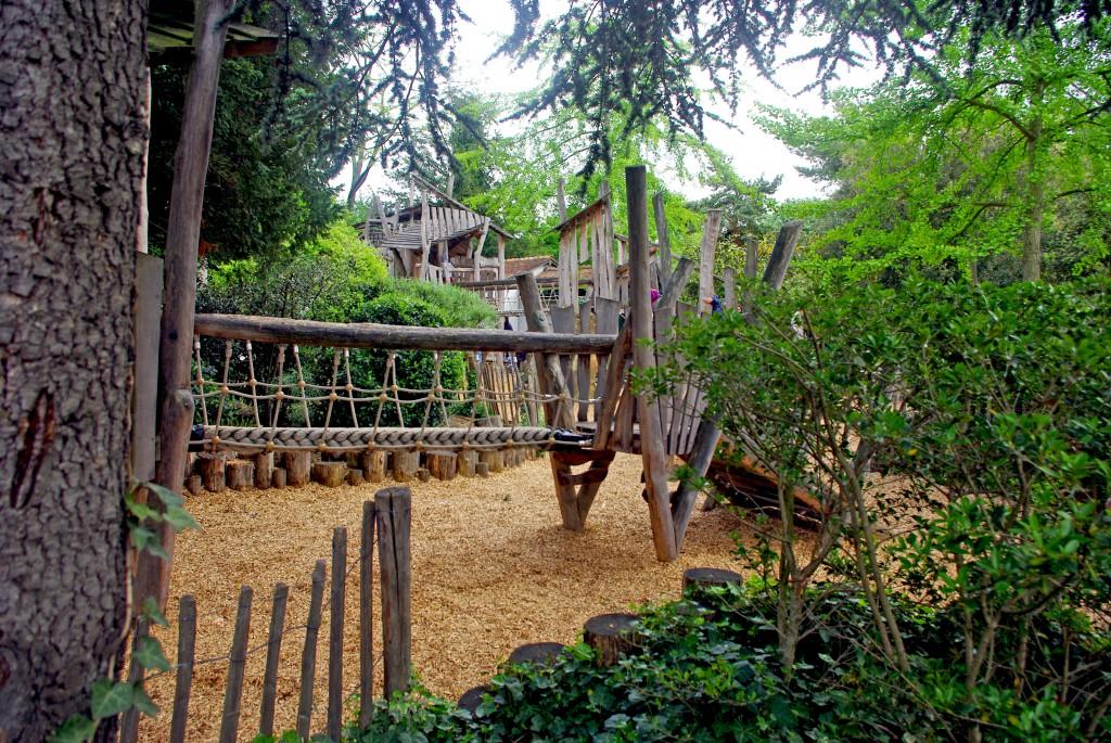 Adventureland at the Jardin d'Acclimatation! © French Moments