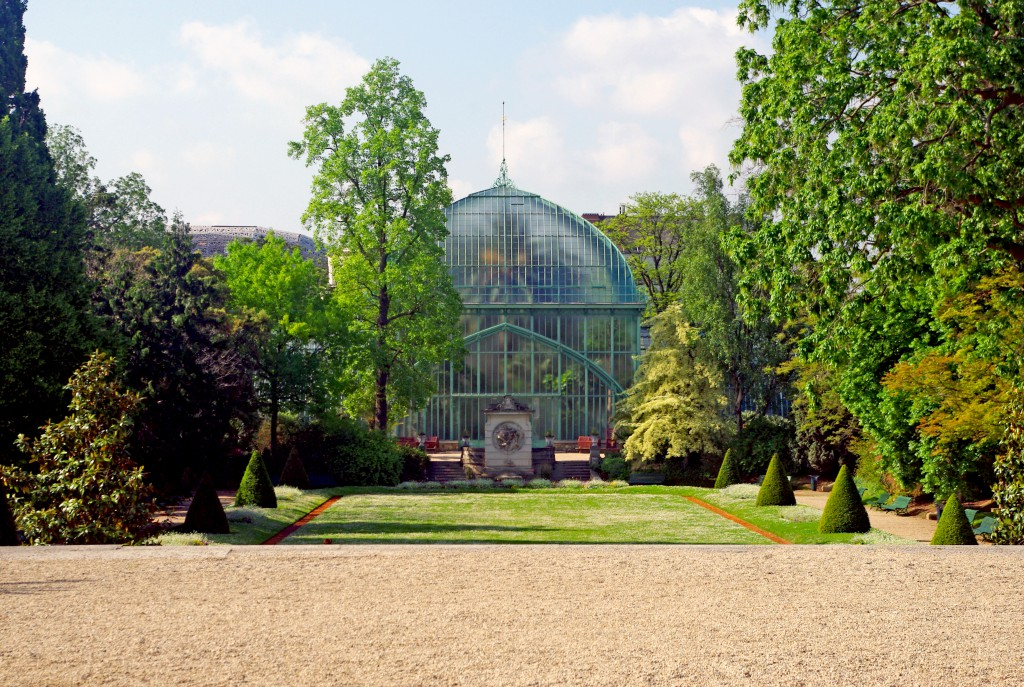 Palm-House (Palmarium) seen from the entrance terrace, Jardin des Serres d'Auteuil © French Moments