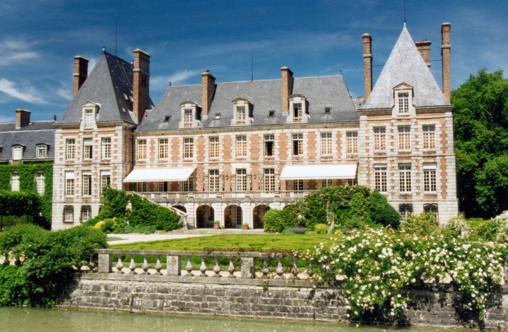 Chateau of Courances © Patrick Giraud - licence [CC BY-SA 1.0] from Wikimedia Commons