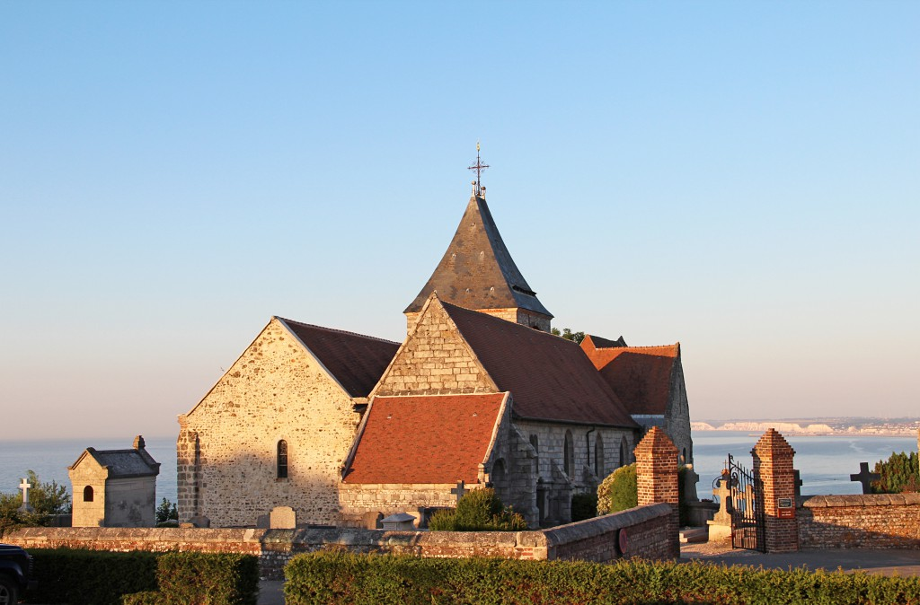 Church of Varengeville-sur-Mer © Jean-Pol Grandmont - licence [CC BY-SA 3.0] from Wikimedia Commons