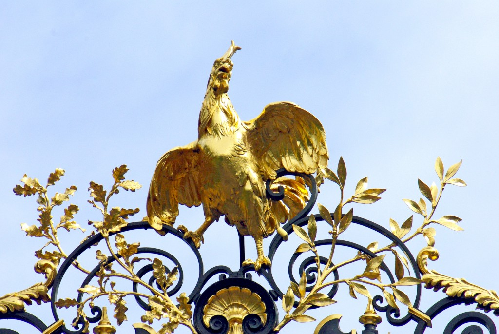 How France got its name - Elysee Gate Rooster © French Moments
