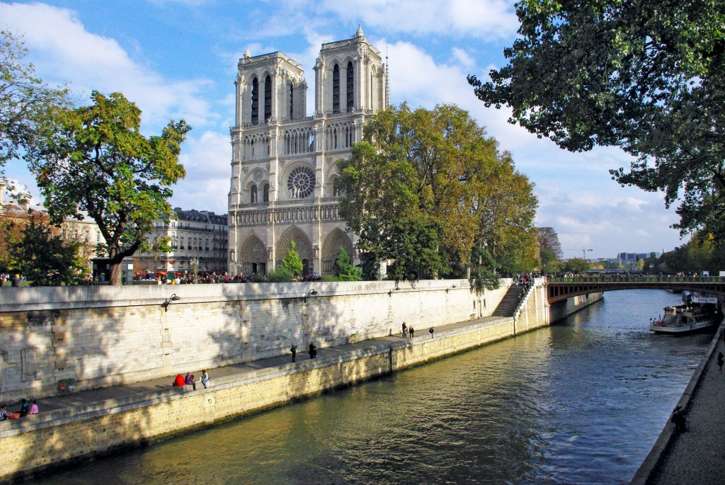 Notre-Dame facade © French Moments
