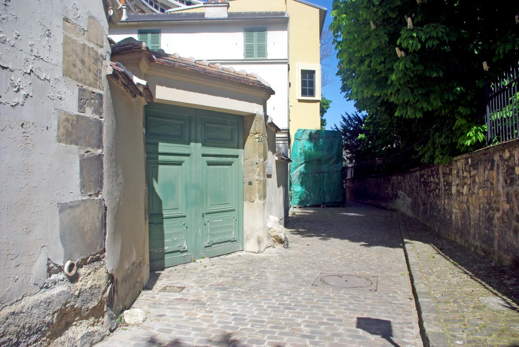 Rue Berton, Paris
