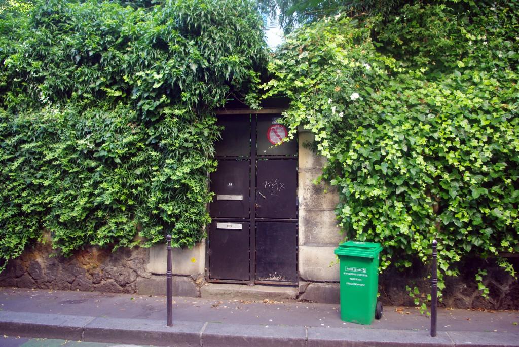 Rue des Cascades Paris 13 © French Moments