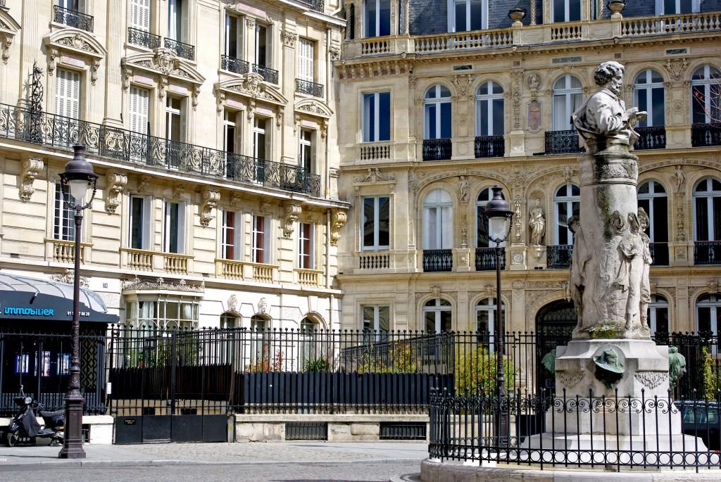 Place Saint-Georges Paris 02 © French Moments