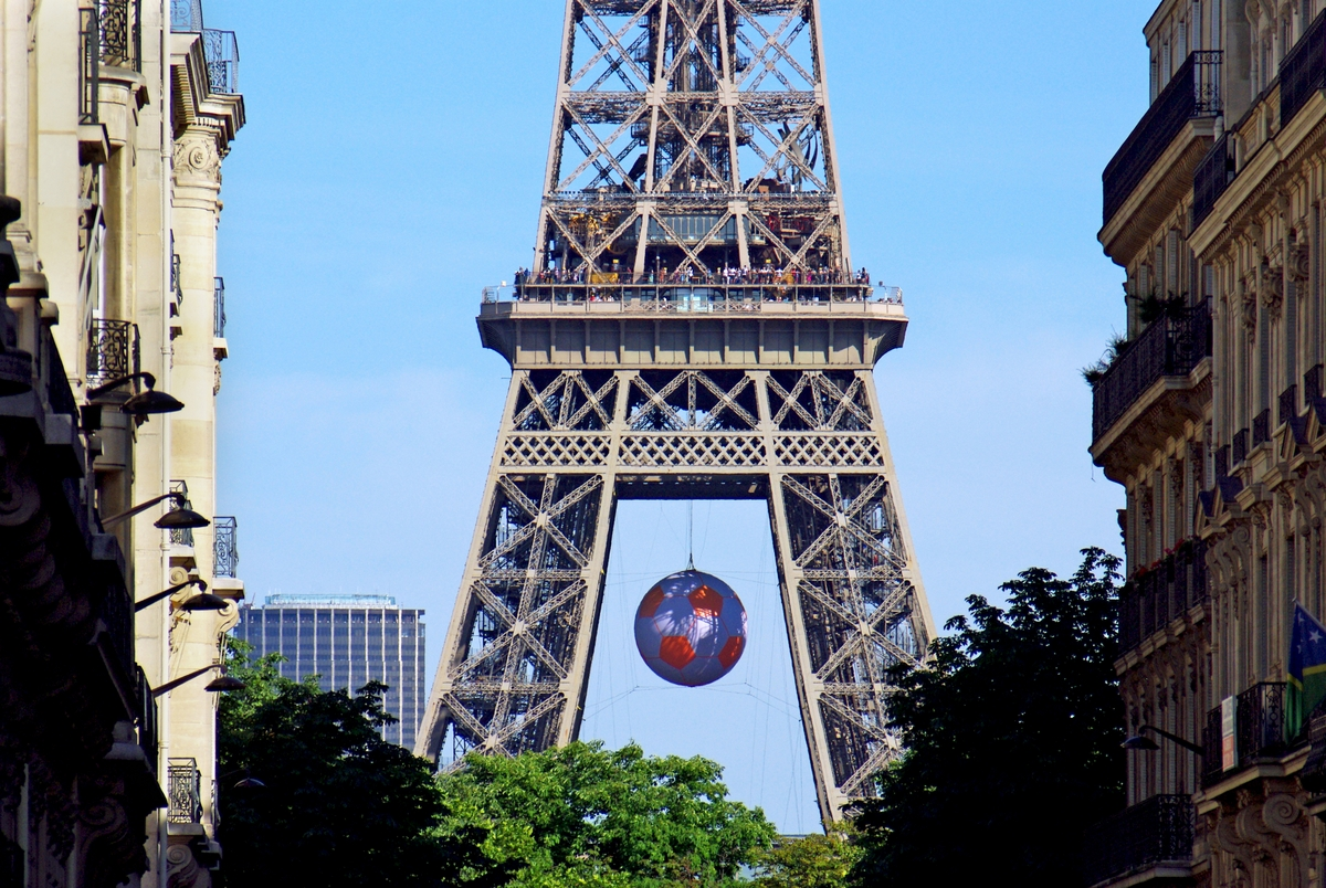 The Eiffel Tower from Avenue d'Eylau © French Moments