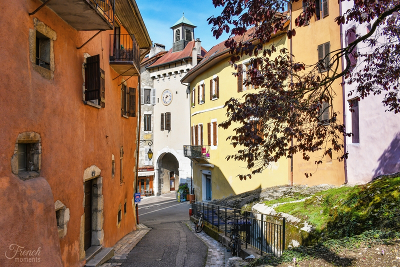 Ste Claire Gate, Annecy © French Moments