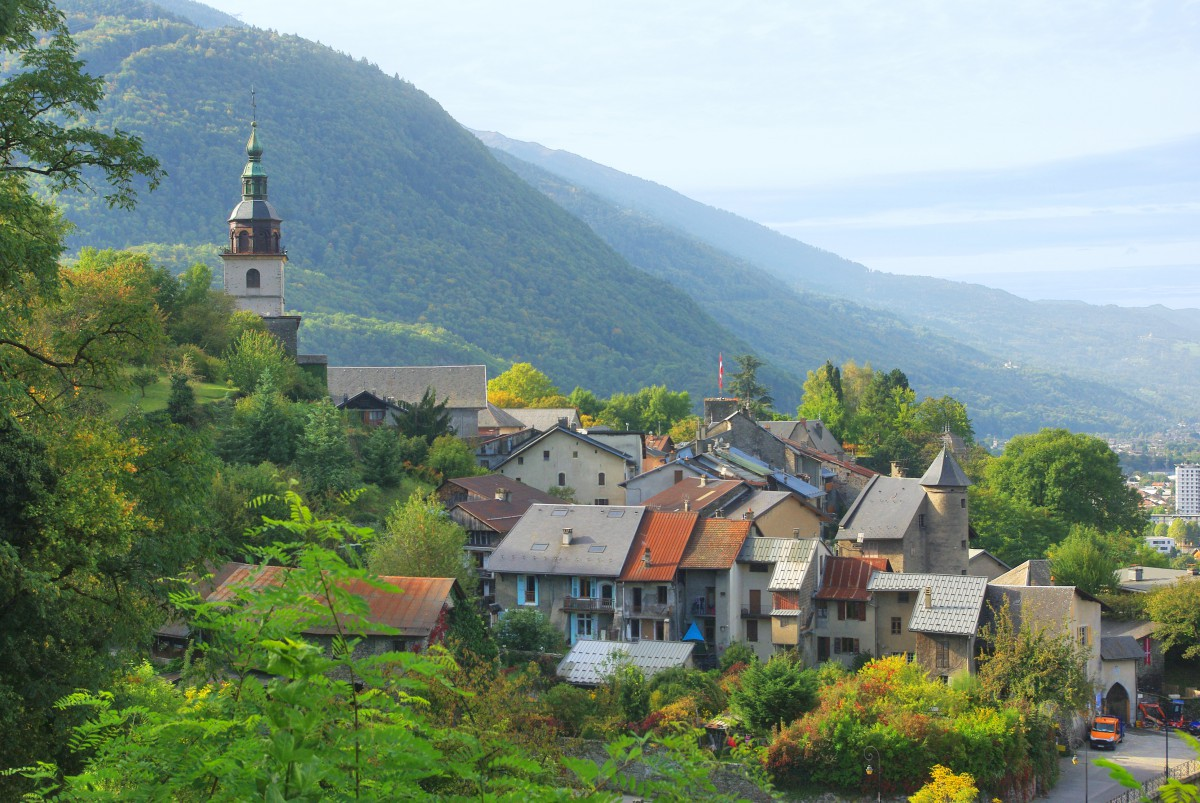 Conflans at the entrance to the Tarentaise Valley © French Moments