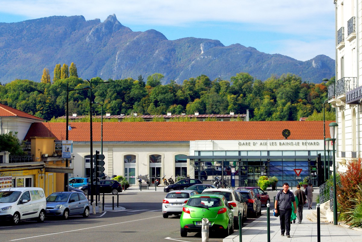Railway station of Aix-les-Bains © French Moments